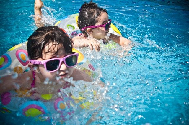 Vlastní bazén na zahradě? Přepych nebo nezbytnost?