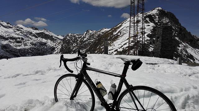 kolo ve sněhu