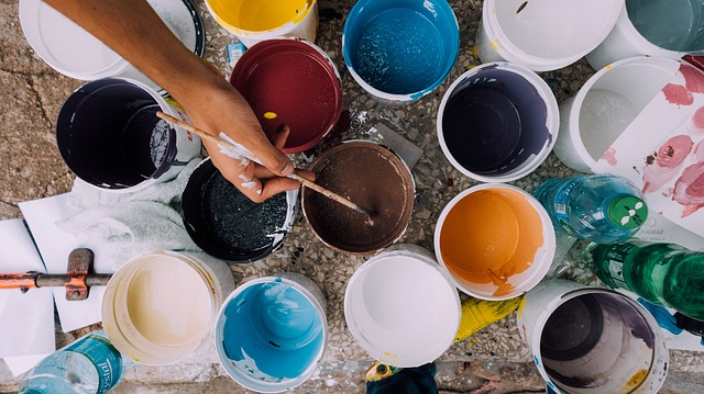 barvy k malování