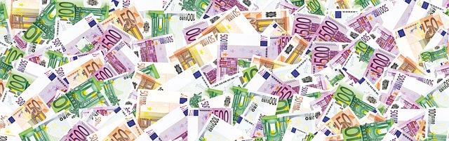 tapeta z euro bankovek.jpg